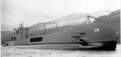 O 19 in Loch Long, Scotland 1943. Note the opened  doors of the external-traversing torpedo tubes.